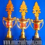 Daftar Harga Trophy Plastik-PI-02D